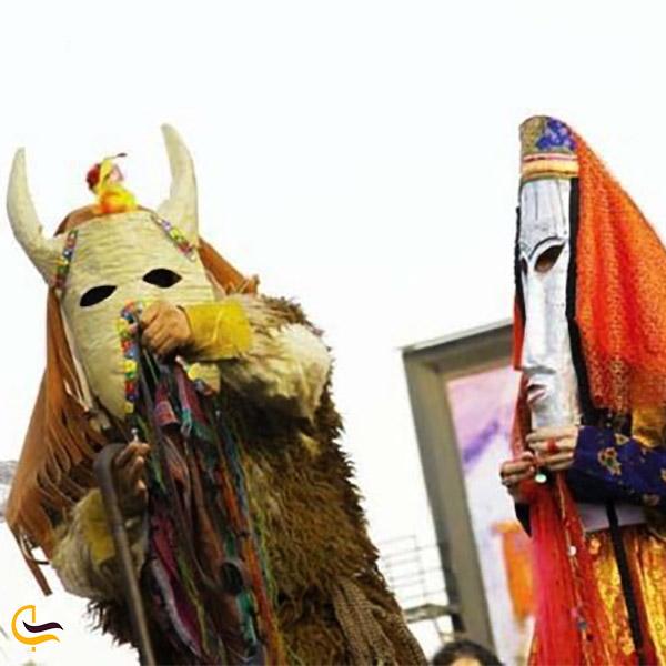 نمایی از چوب قورچنگ در رسوم نوروز همدان