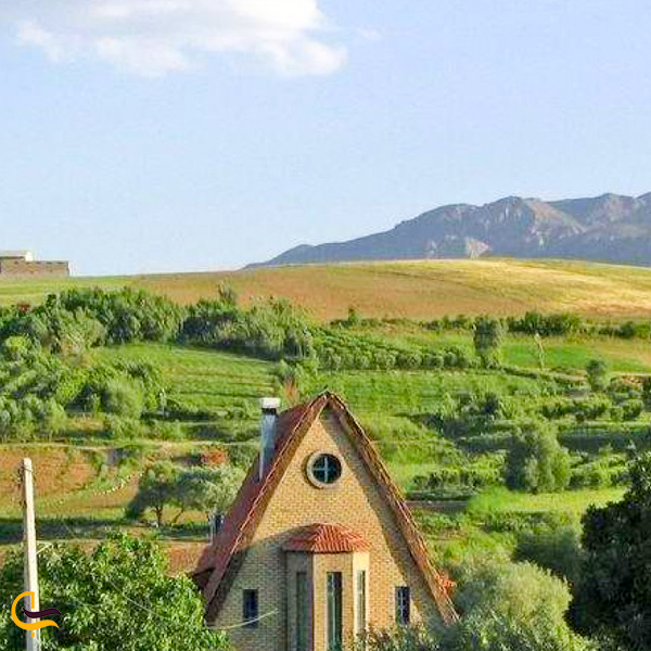 تصویری از خانه جنگلی در طبیعت زیبا گلدشت بروجرد