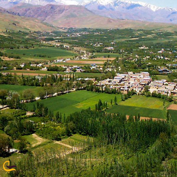 نمایی از بالای روستای گدشت بروجرد