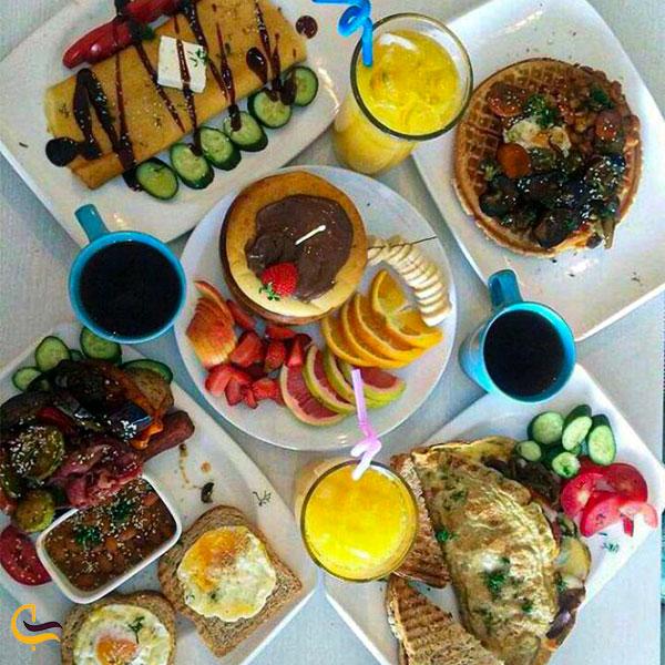 نمایی از منوی صبحانه کافه رستوران گراف