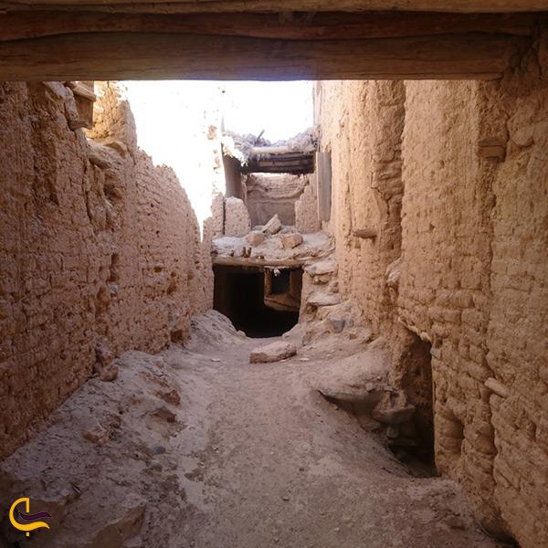 نمای داخلی قلعه تاریخی هنجن اصفهان