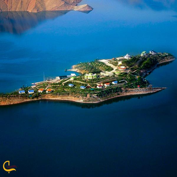 نمایی از بالای جزیره کوشک مسجد سلیمان