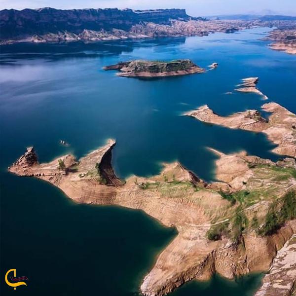 تصویر بخشی از جزیره دریاچه شهیون دزفول