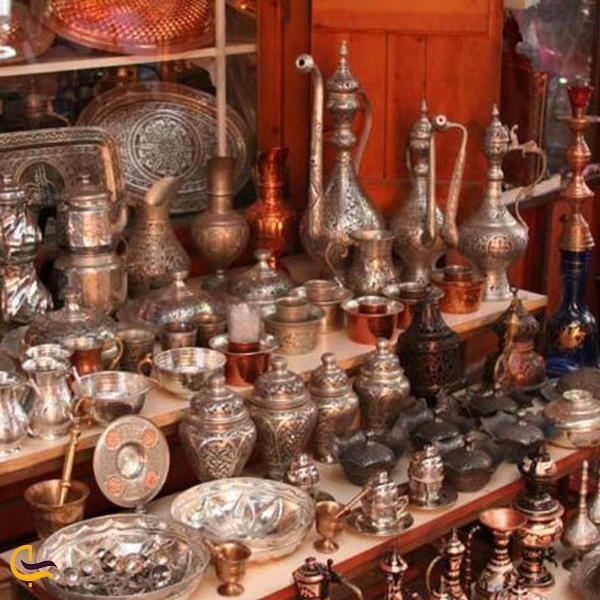 تصویری ازوسایل مسی و نقره جات در بازار بزرگ استانبول