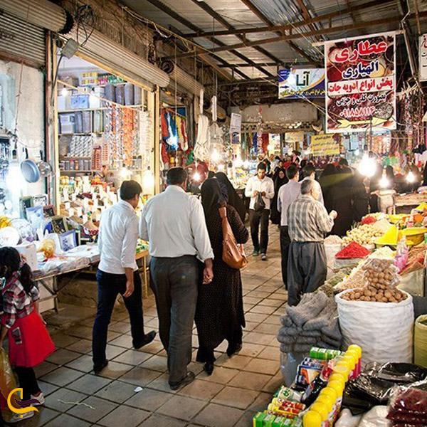 تصویری از مردم در حال خرید در بازار خلخال