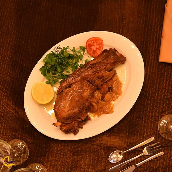 نمایی از گوشت رستوران حاج حسن شاندیز مشهد
