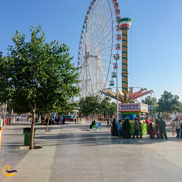 تصویری از چرخ و فلک شهربازی ارک ملت مشهد