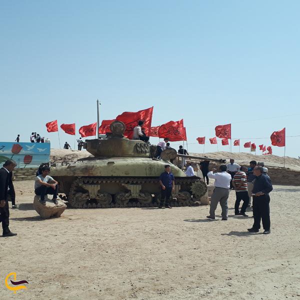 تصویری از تانک جنگی در یادمان شهدای شلمچه