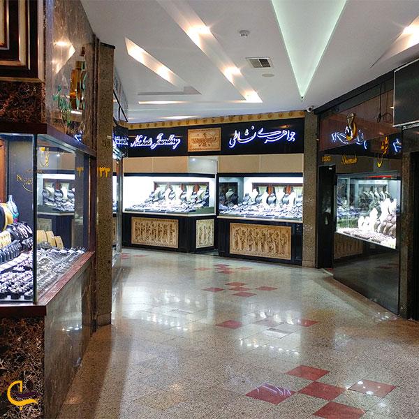 نمایی از جواهری مرکز خرید میلاد نور