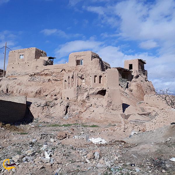 تصویری از نمای دور خانه حکیم ابوالقاسم فردوسی