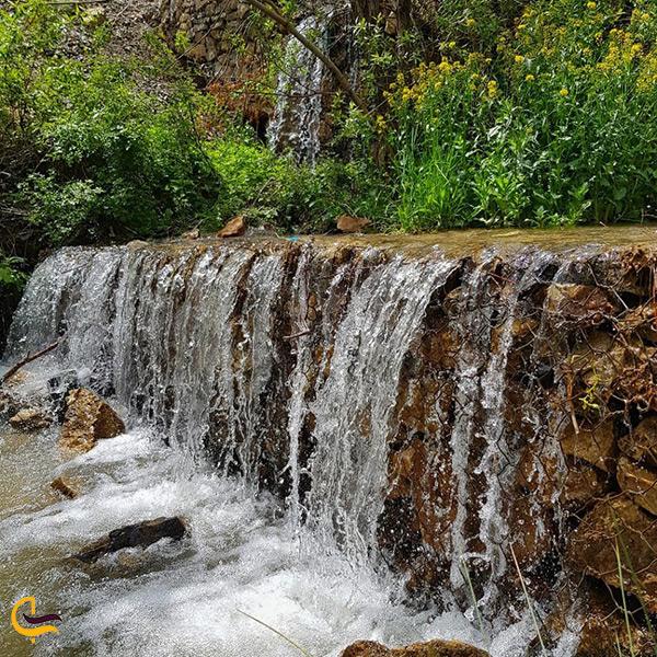 تصویر رودخانه زیبا در طبیعت کرج