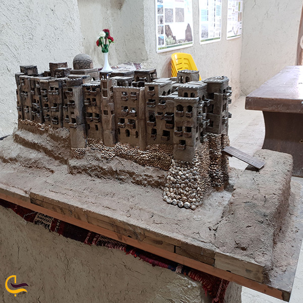 ماکت نمای اصلی بنای دژ ایزدخواست