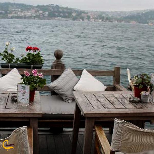 تصویری از رستوران کنار دریا استانبول
