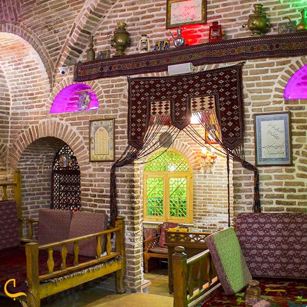 تصویری از داخل رستوران سنتی خیام بازار تهران