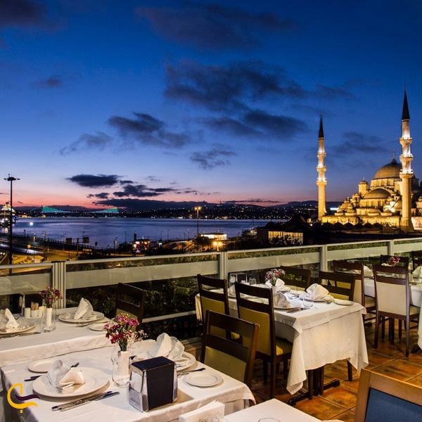 نمایی از رستوران ترکیه