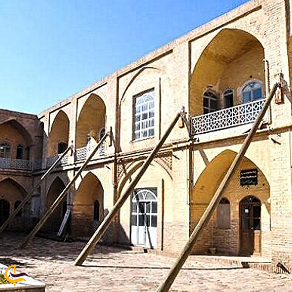 نمایی از مدرسه علمیه سلطان العما کاشمر