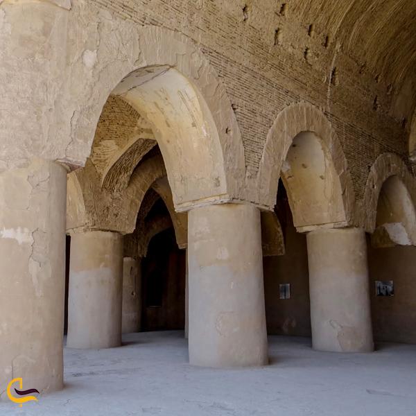 تصویری از مسجد تاریخانه دامغان