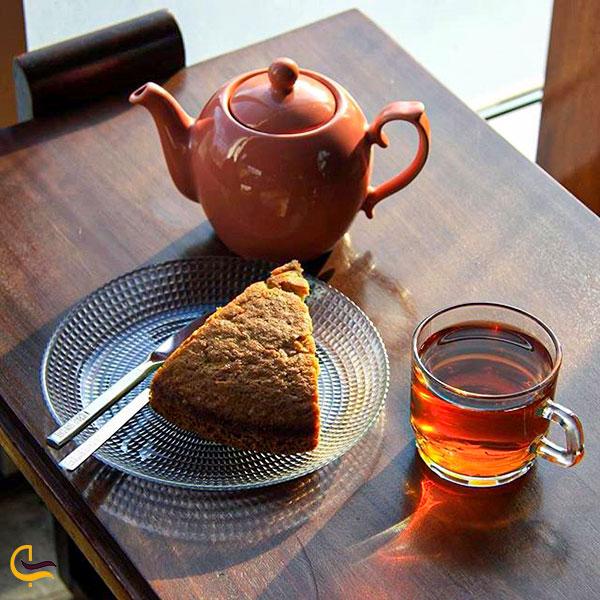 نمایی از چای و کیک کافه رستوران سام