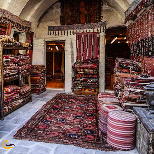 تصویری از غرفه قالیچه سوغات ترکیه