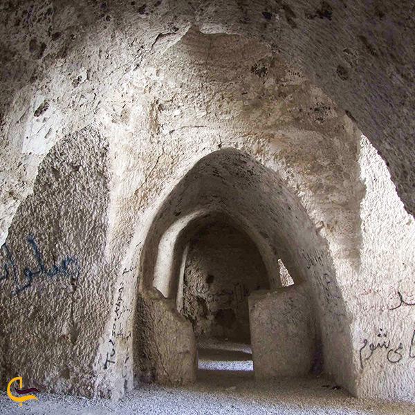 نمای داخل نیایشگاه مند بوشهر