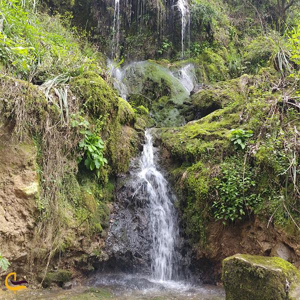 نمایی از آبشارهای کوهسر
