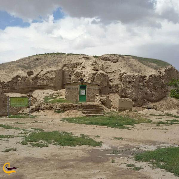 بازدید از قلعه تپه خان جاذبه تاریخی شهر آشخانه