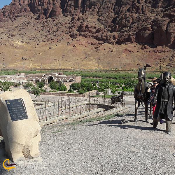 بازدید از کاروانسرای خواجه نظر جلفا