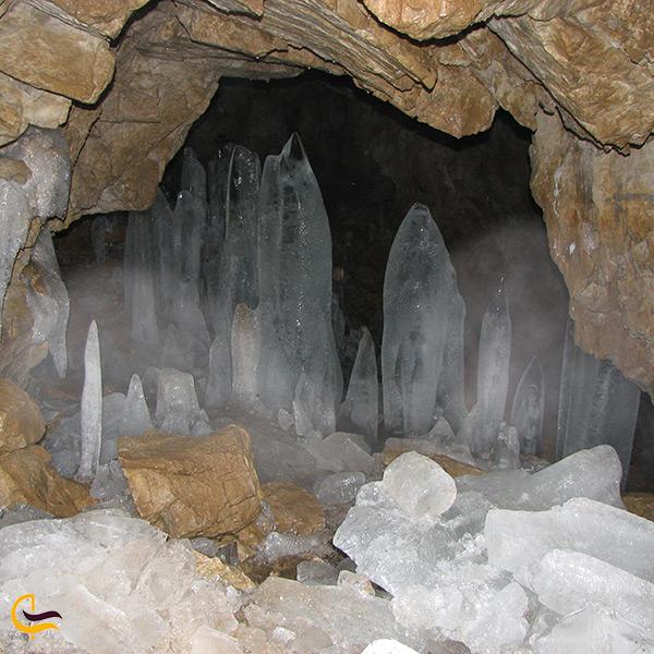 بازدید از غار یخ مراد کرج