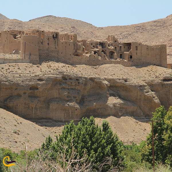 بازدید از قلعه تاریخی هنجن اصفهان