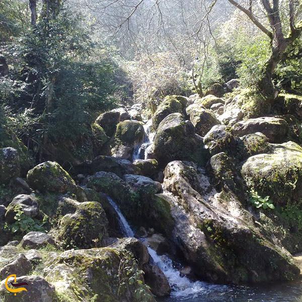 نمایی از آبشار چلندر