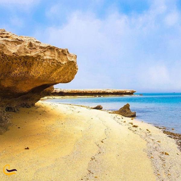 تصویری از ساحل نایبند