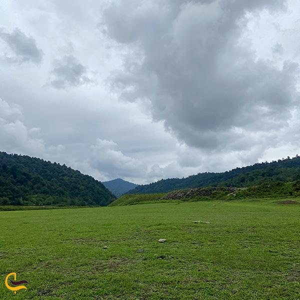 نمایی دور از جنگل و سد لفور مازندران
