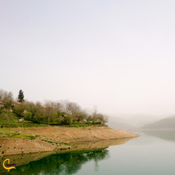نمایی از سد لفور مازندران