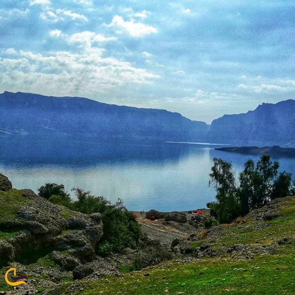 تصویری از طبیعت و دو کوه شاداب و تنگوان دزفول