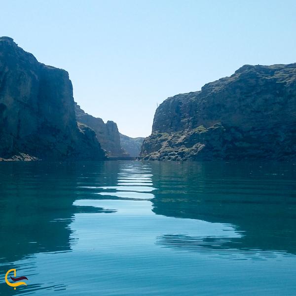 نمایی از دو کوه تگوان دریاچه شهیون دزفول
