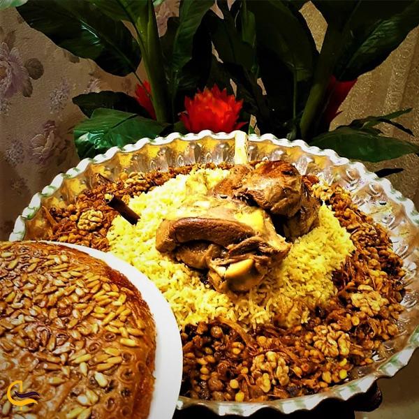 نمایی از غذای محلی خلیج ناینبد