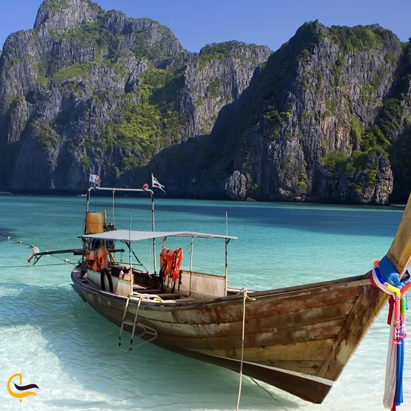 تصویری از قایق در دریا پوکت