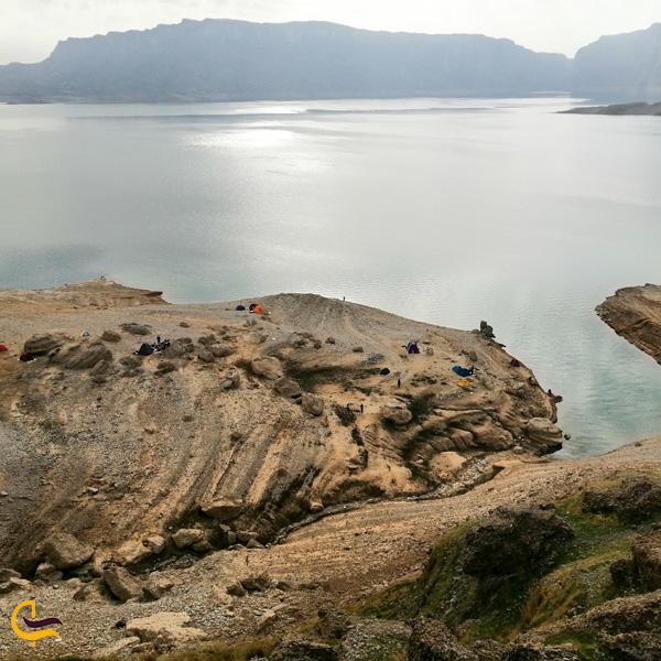 تصویری از صخره های دریاچه شهیون دزفول