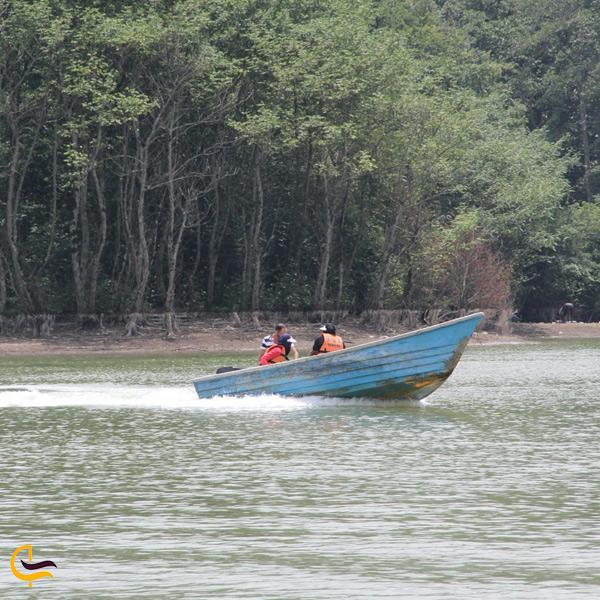 تصویری از قایق سواری در سد سنبل رود مازندران