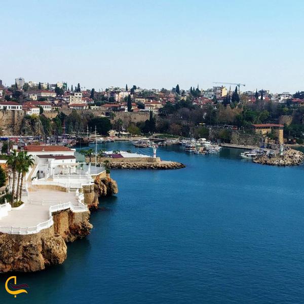 تصویری از دریا آنتالیا در ترکیه