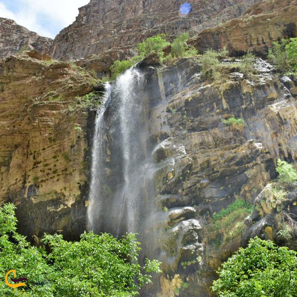 تصویری از آبشار روستای اخلمد