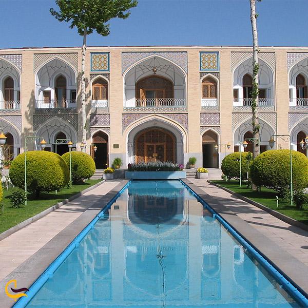 نمایی از هتل عباسی