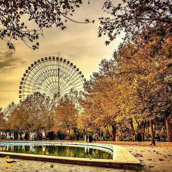 تصویری پاییزی از پارک ملت مشهد