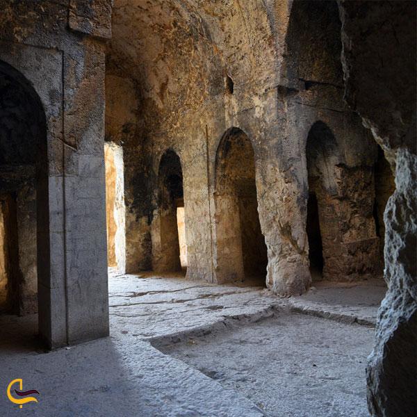 تصویری از آتشکده آذرخش داراب