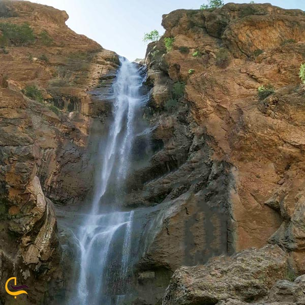 نمایی از آبشار بهرام بیگی