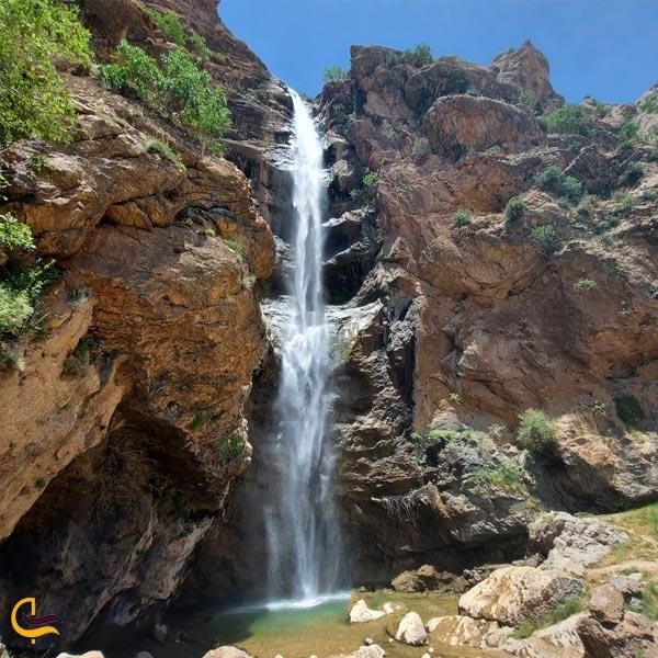 تصویری از آبشار بهرام بیگی روستای بهرام بیگی