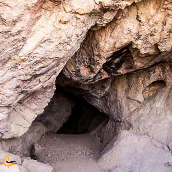 نمایی از غار خونیک