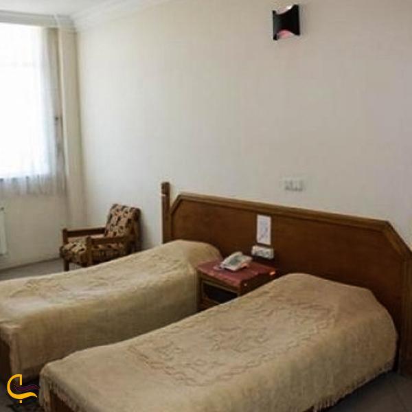 تصویری از اتاق های مهمانسرای جهانگردی داراب