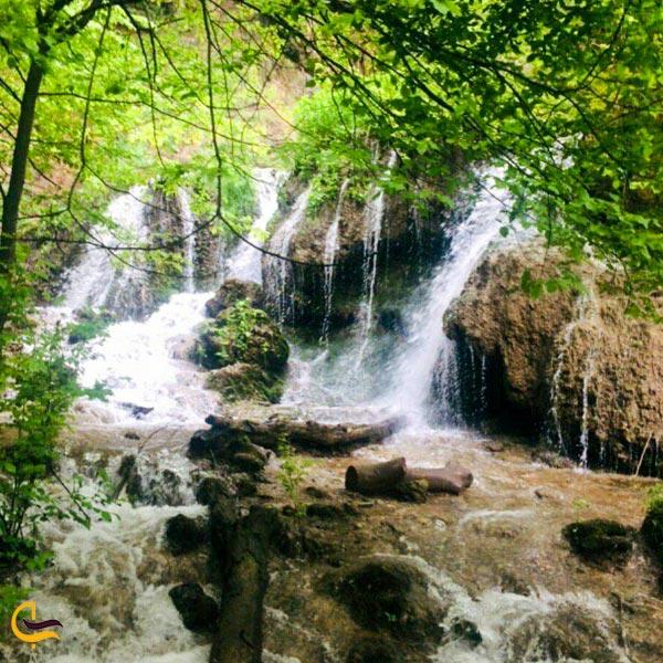 تصویری از طبیعت آبشار اسطرخی شیروان
