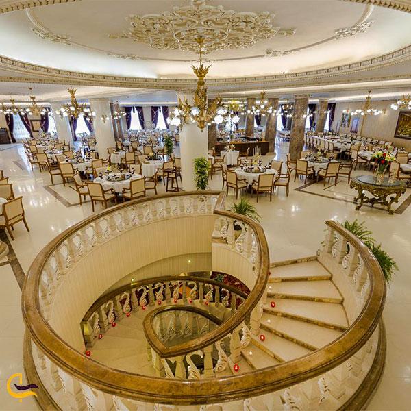 نمایی از هتل قصر طلایی